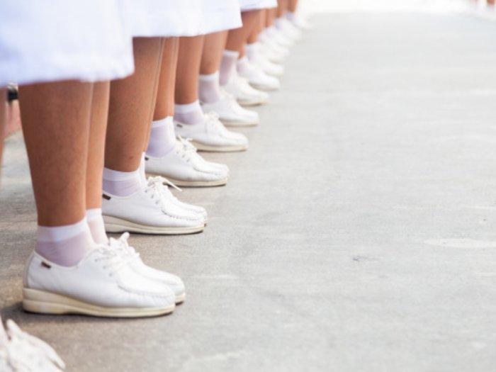 Penelitian di Tiongkok Sepatu Bisa Membawa Virus Corona