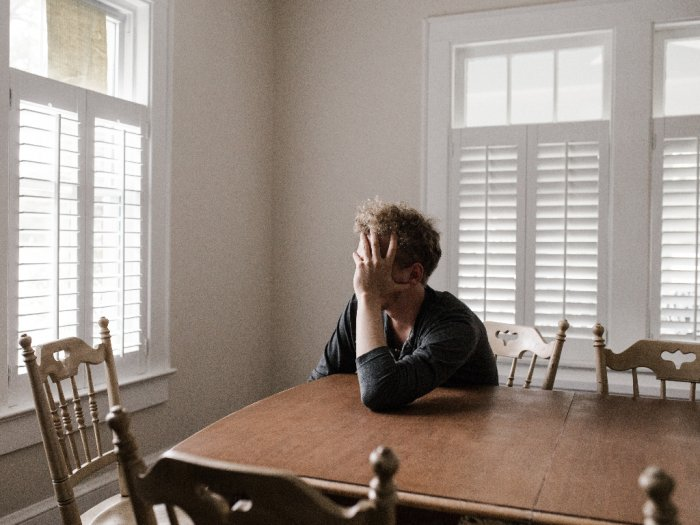 Cara Mengatasi Cabin Fever Gangguan Psikologis Ketika PSBB