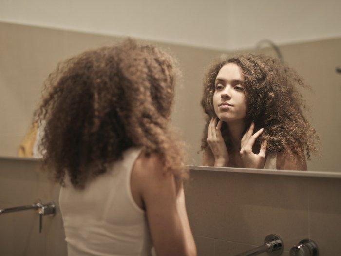 Kenali Body Dysmorphic Disorder yang Tidak Puas dengan Bentuk Tubuh