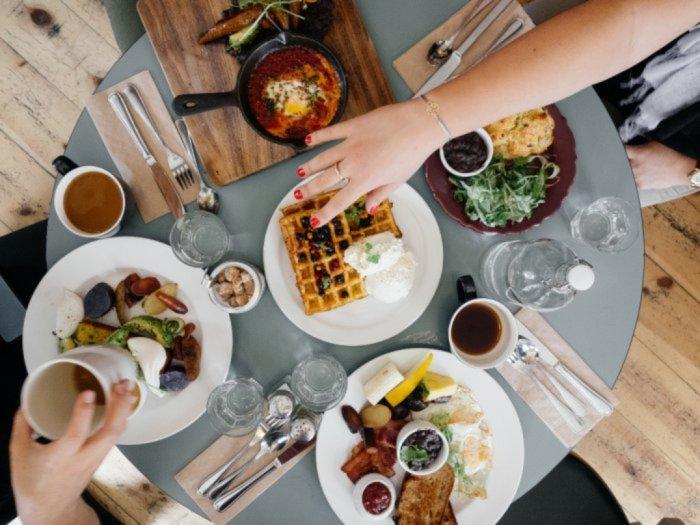 Kenapa Berbuka Puasa Harus Mengonsumsi Makanan dan Minuman yang Manis
