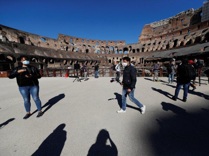 FOTO Wisata Colosseum Roma Kembali Dibuka