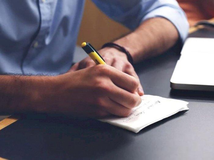 Menulis di Atas Kertas Bantu Tingkatkan Kemampuan Otak Mengingat
