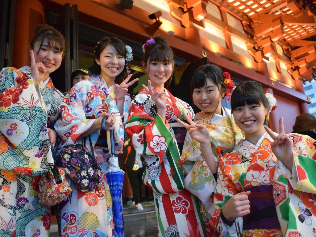 Mengintip Rupa-Rupa Pakaian Tradisional di Dunia