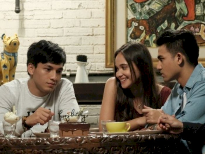 Angkat Tema Friendzone Film 039Seperti Hujan yang Jatuh ke Bumi039 akan Tayang 15 Oktober