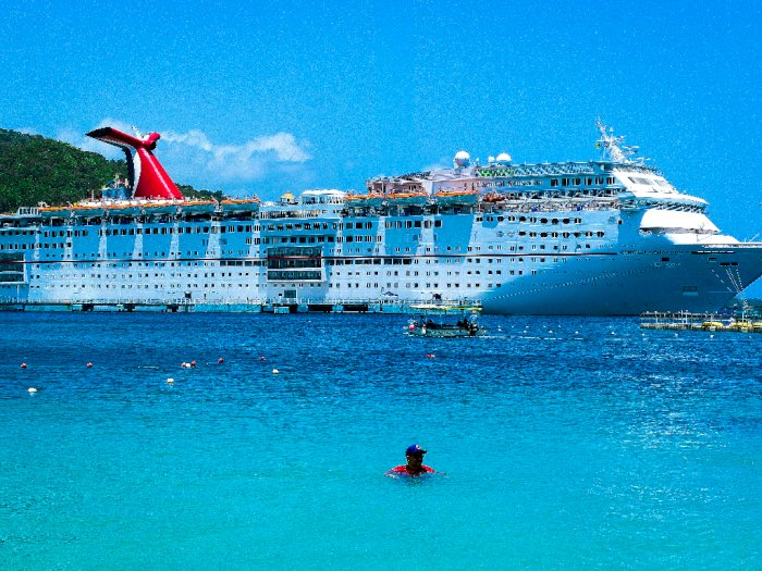 Masih Pandemi Carnival Cruise Line Batalkan Pelayaran dan Jual Kapal