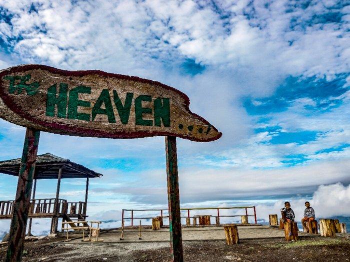 FOTO Panorama Dari Puncak Heaven Ifar Gunung Sentani
