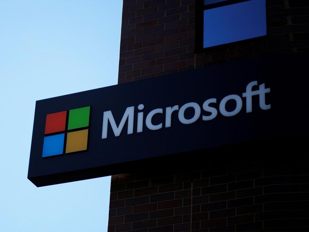 Microsoft Mulai Berhenti Pasang Iklan di Facebook dan Instagram Apa Penyebabnya