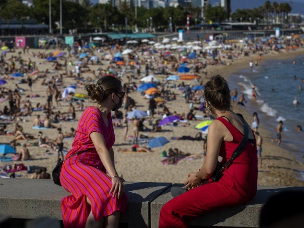 Pantai di Barcelona Dipadati Wisatawan Alhasil Ditutup Kembali