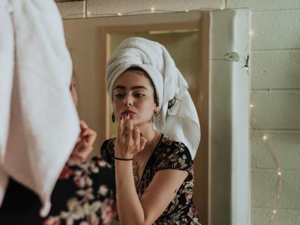Yuk Ikuti Tips Aman Gunakan Makeup di Tengah Pandemi