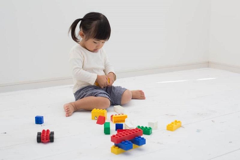 Awas Bun Anak Duduk dengan Posisi W bisa Menghambat Pertumbuhan