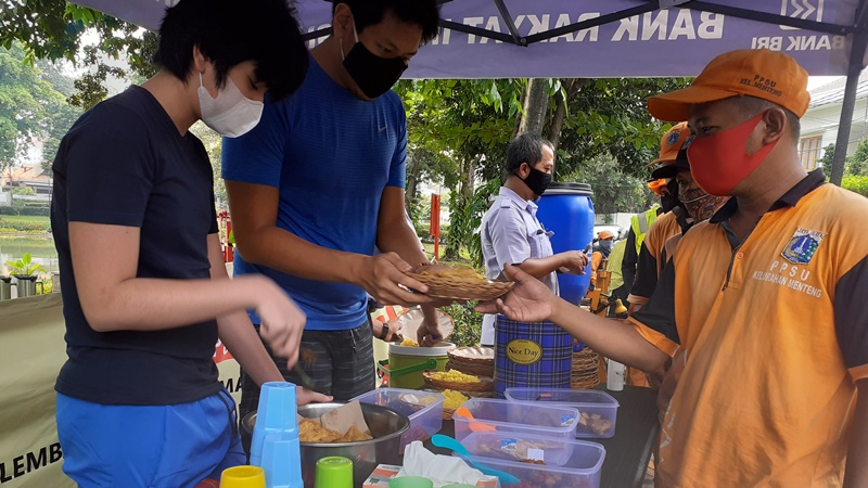 Podjok Halal Sediakan Makanan Murah Harganya Cuma Rp 3000