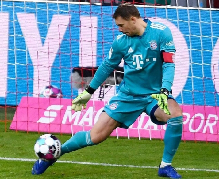 Bayern Munchen Hempaskan RB Salzburg Neuer Man of the Match
