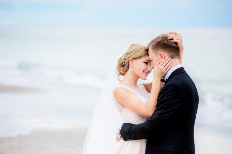 4 Manfaat Tinggal Terpisah Dari Orang Tua Setelah Menikah