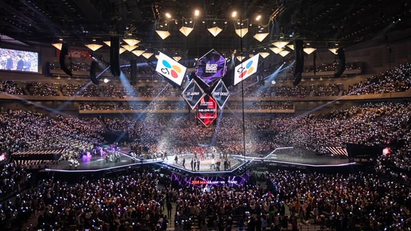 Bertabur K-pop Idola 4 Tips Nonton MAMA 2020 dengan Nyaman