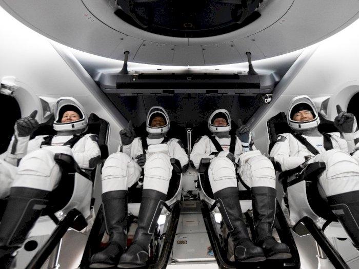 Sempat Tertunda SpaceX Terbangkan Seluruh Kru NASA ke Stasiun Luar Angkasa Internasional