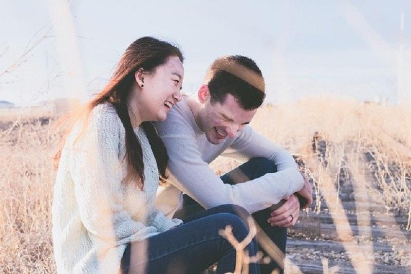 5 Kunci Membuat Pasangan Merasa Nyaman