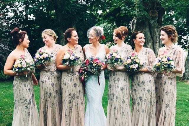 Kwikku, Bridesmaid Juga Boleh Tampil Cantik dengan Gaun Berpayet Kok