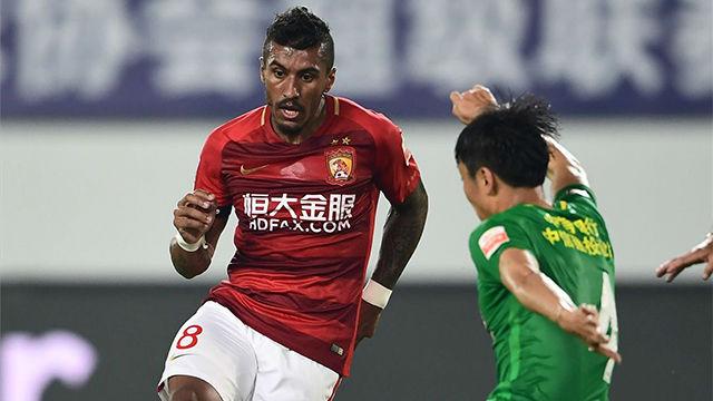 Kwikku, Penampilan Paulinho Semasa di Guangzhou Evergrande