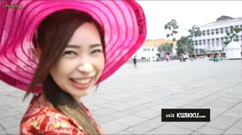 Kwikku, Gadis Topi Merah Muda