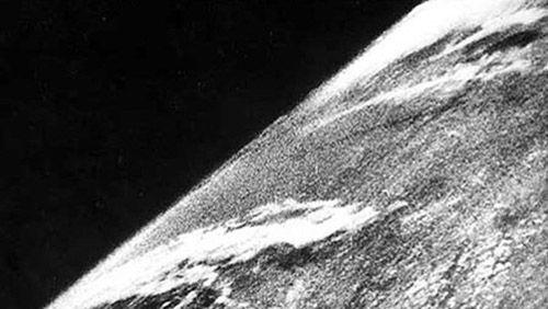 Kwikku, Foto luar angka pertama
