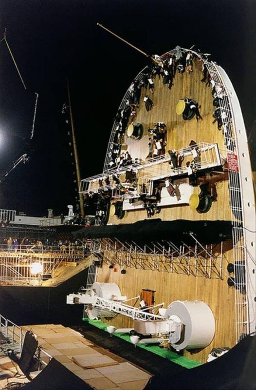 Kwikku, Ini nih foto saat kapal Titanic mulai tenggelam secara perlahan