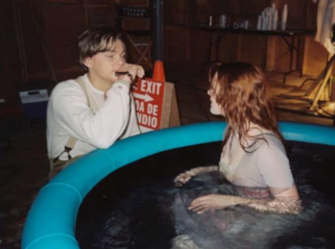 Kwikku, Saat Jack dan Rose berbincang Terlihat mesra mereka