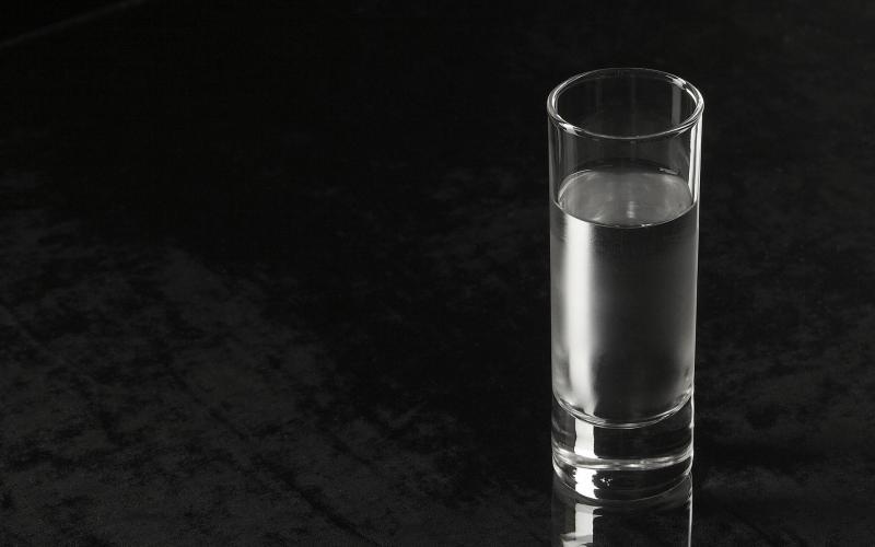 Kwikku, Minum segelas air putih
