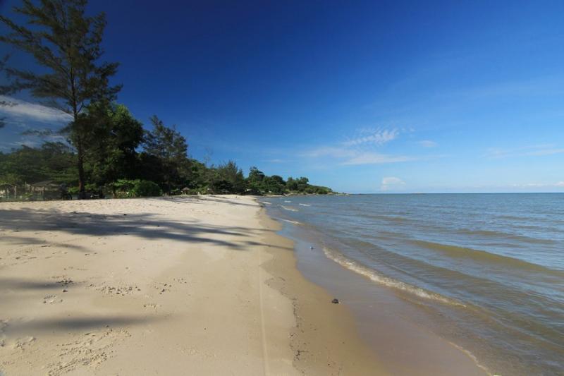 Kwikku, Pantai Nyiur Melambai
