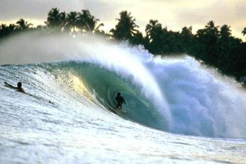 Kwikku, Pantai Lagundri dan Pantai Sorake
