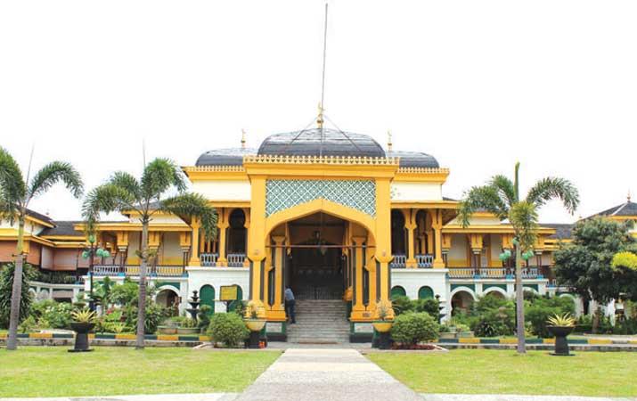 Kwikku, Istana Maimun