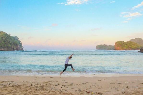 Kwikku, Berada Dalam satu Kawasan Dengan Pantai Lain
