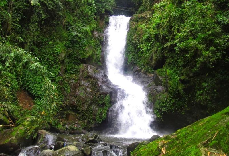Kwikku, Air Terjun Sekarlangit di Jawa Tengah
