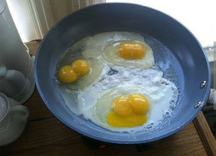 Kwikku, Mungkin begini jadinya jika dewi fortuna sedang ada disekitar kita Tiga telur ini punya dua bagian kuning dimasingmasing butirnya
