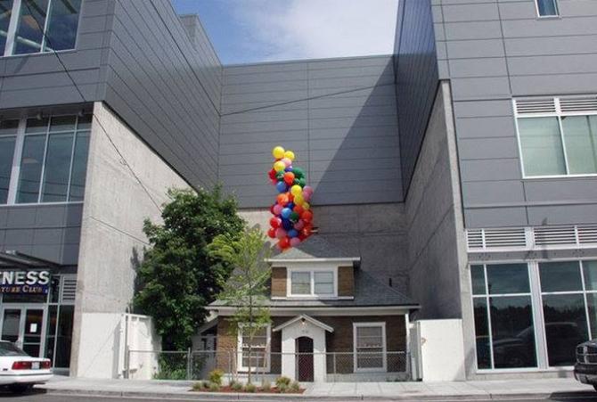 Kwikku, Yang ini mirip banget sama rumah difilm Up Dengan balonnya Pemilik rumah menolak menjual rumahnya meskipun dibayar dengan harga  juta dolar Rumah ini berlokasi di Ballard Seattle Amerika Serikat