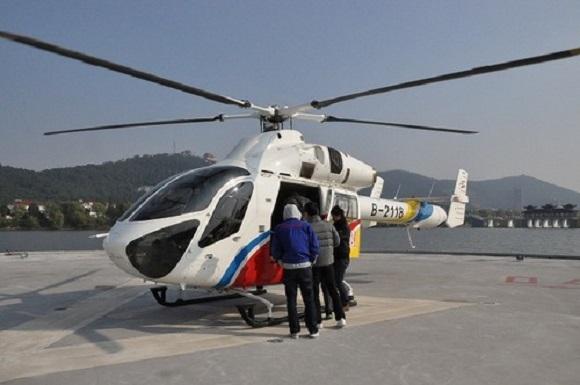 Kwikku, Yang nggak kalah tajir mereka menggunakan helikopter sebagai fasilitas trasnportasi