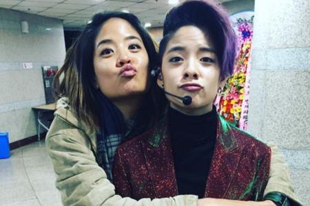 Kwikku, Yang ini kayak anak kembar ya gaes Amber FX memiliki kakak bernama Jackie Liu yang mirip banget sama dia