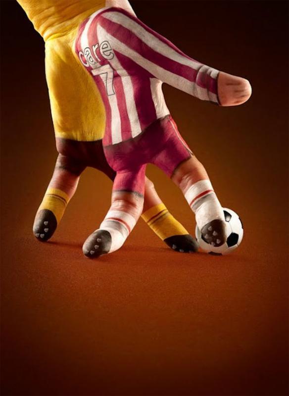 Kwikku, Pemain sepak bola