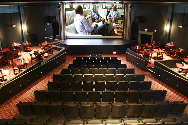Kwikku, Jika ke Amerika Serikat kamu juga bisa mampir ke bioskop The Bijou