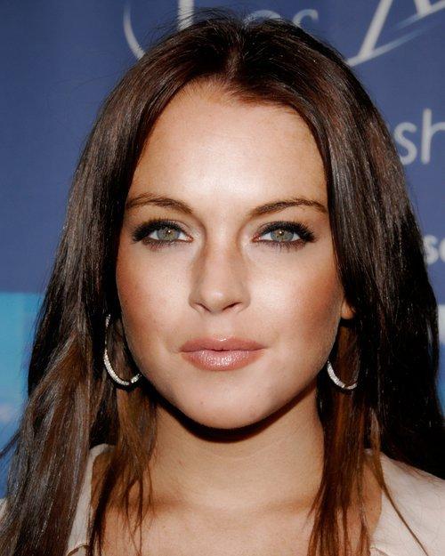 Kwikku, Artis cantik Lindsay Lohan mengalami kebangkrutan karena serangkaian masalah yang dibuatnya sendiri bahkan ia juga memiliki hutang dimanamana