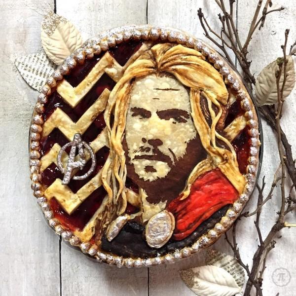 Kwikku, Wajah Thor lengkap dengan rambut pirangnya yang menjuntai ganteng