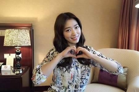 Kwikku, Park Shin Hye meniti karirnya sebagai artis cilik dan bertahan sampai saat ini ketika tabungannya sudah cukup ia membelikan sebuah bangunan untuk orangtuanya yang saat ini dijadikan restoran