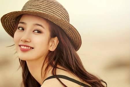 Kwikku, Nggak kaget ya kalau penghasilan Bae Suzy memang  tinggi cewek cantik ini memang sering tampil diberbagai drama iklan sampai menghasilkan karya musik Dari penghasilan yang ia dapatkan juga digunakan untuk membelikan rumah bagi orangtuanya di Gwangju
