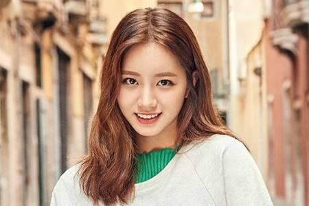 Kwikku, Kesuksesan Hyeri membintangi drama Reply  membuat karirnya juga naik saat itu ia langsung membelikan rumah untuk orangtuanya yang dua kali lebih besar dari apartemen mereka sebelumnya