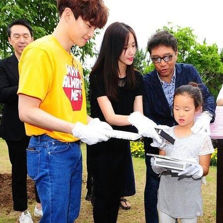 Kwikku, Yoona dan Suho juga pernah menjadi perwakilan grupnya untuk acara sosial yang diadakan agensi SM di Pulau Jeju