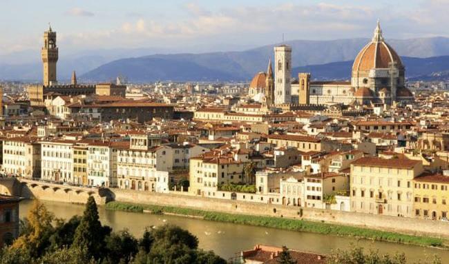 Kwikku, Florence Italia mempunyai miliarder sebanyak   dimana wilayah terkenal dengan arsitektur gaya Renaissance yang menarik perhatian orang tajir karena keindahannya serta untuk tinggal disana