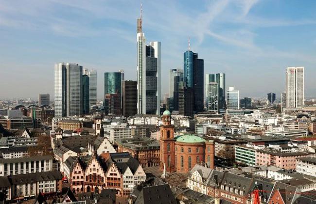 Kwikku, Frankfrut Jerman menjadi jantung keuangan ekonomi Jerman Bahkan kota ini juga dijuluki sebagai kota termahal di Jerman karena memiliki   orang kaya yang tinggal disana