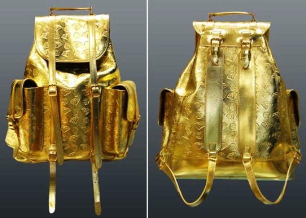 Kwikku, Tas ini berbahan emas murni yang harganya bisa mencapai Rp  juta