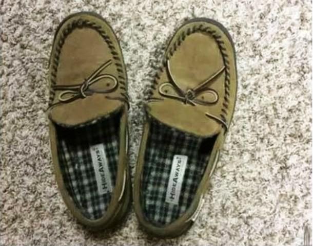 Kwikku, Sebenarnya sepatu ini sudah bagus tapi jadi mikir ulang karena lubangnya seperti mau makan kaki kita saja