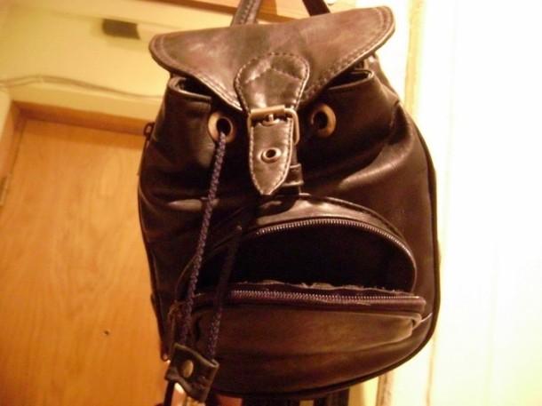 Kwikku, Jangan cobacoba bolos sekolah kalau nggak mau diteror oleh tas ini