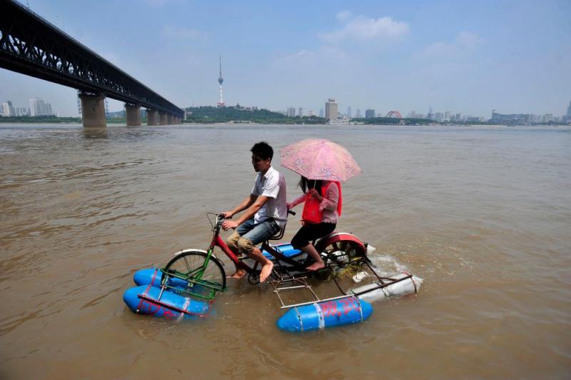 Kwikku, Sepeda diatas permukaan air yang lain bisa juga dibuat pacaran